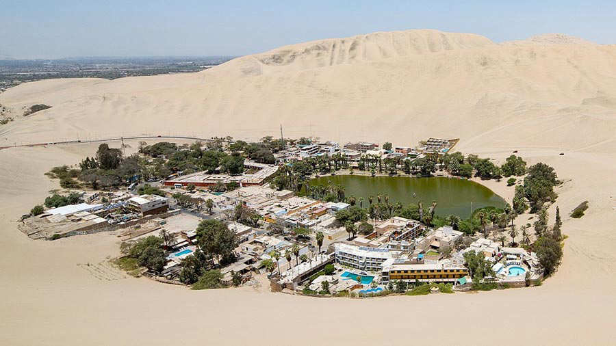 1280px-overview_of_huacachina
