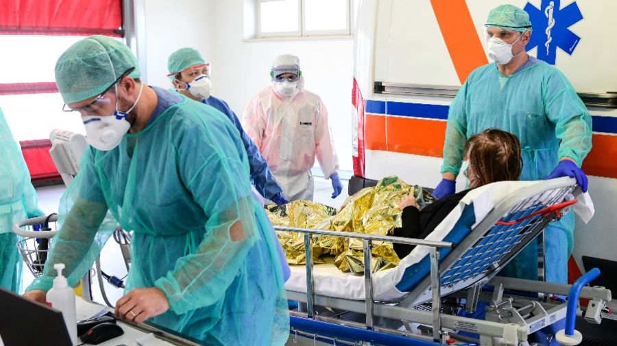 Filtran video del interior de hospital con enfermos de Covid-19