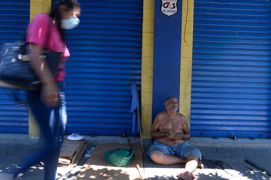 JO--Indigenets-en-el-centro-de-San-Salvador020