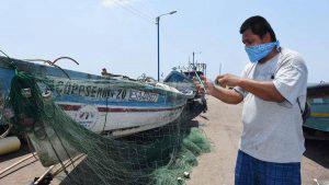 Vendedores y pescadores del Puerto de La Libertad afectados por la cuarentena