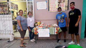 Jóvenes de San Martín ayudan a vecinos que no han recibido bono de $300