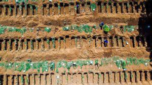 El cementerio más grande de Brasil listo para enterrar a los muertos por coronavirus