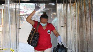 """En Atiquizaya instalan el """"sanitúnel"""" para desinfectar a las personas y prevenir el COVID-19"""