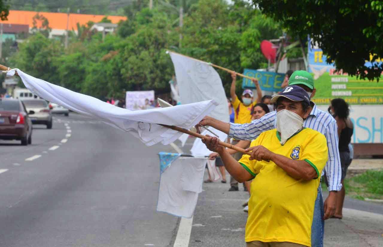 Banderas blancas en las calles_04