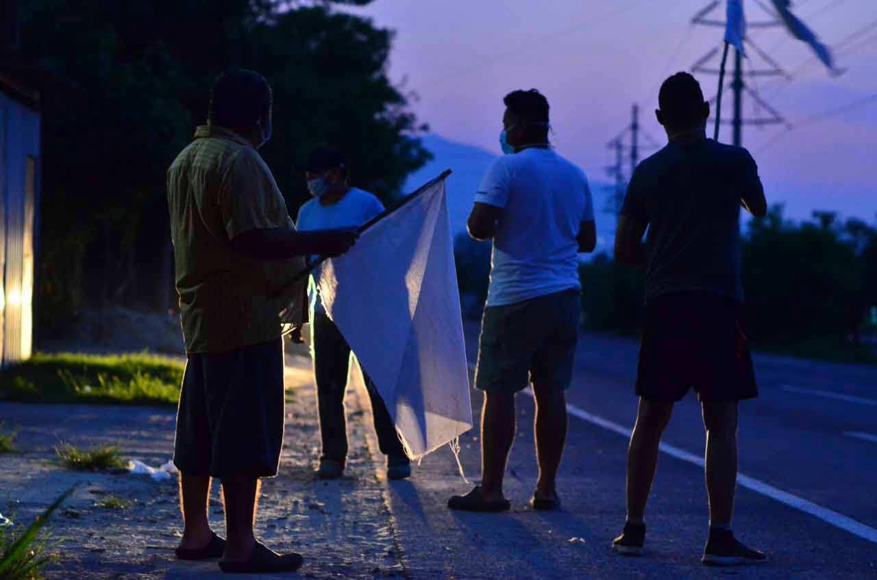 Banderas blancas en las calles_06