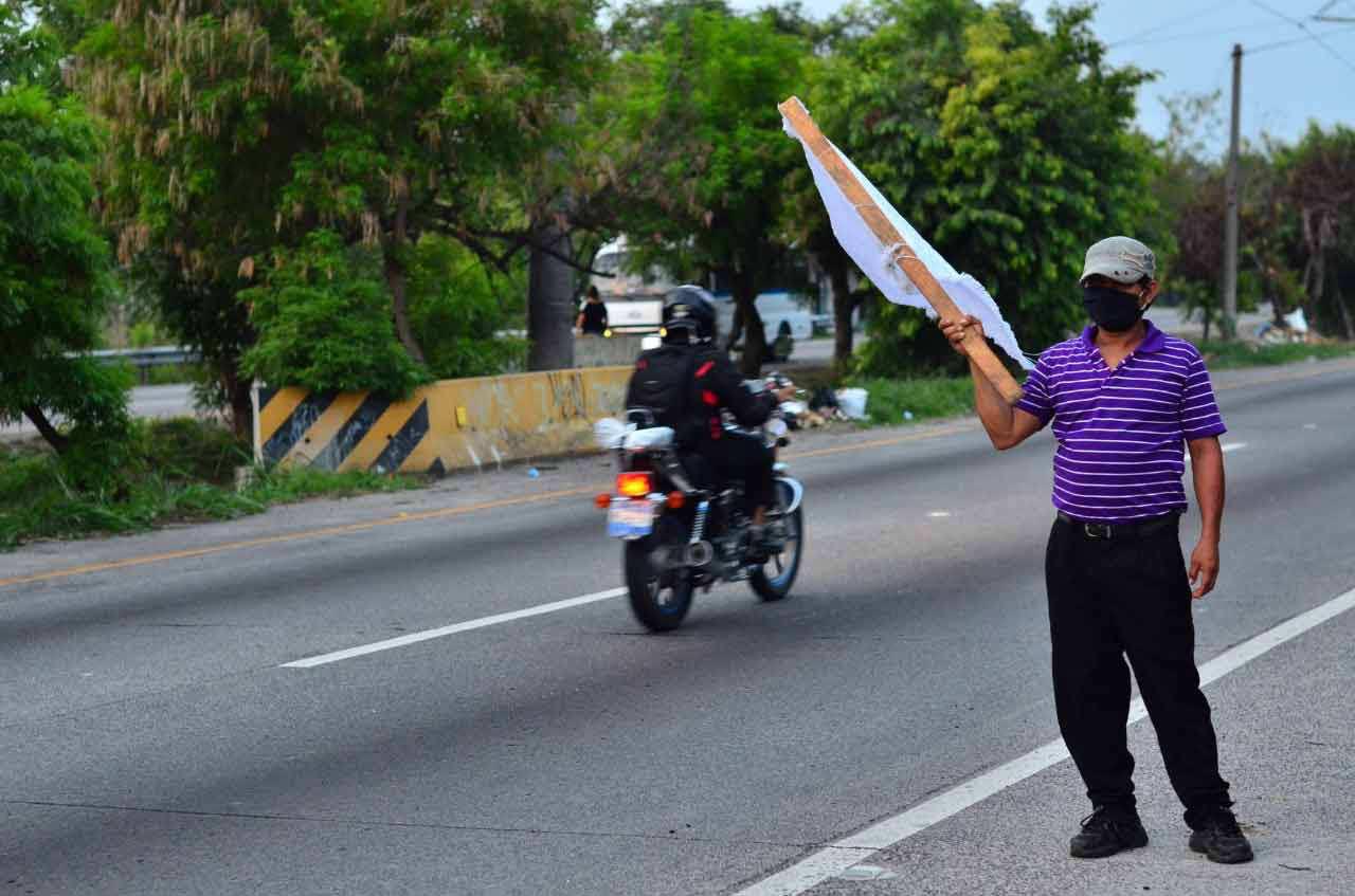 Banderas blancas en las calles_10