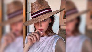 Con atrevidas fotos Belinda muestra su nuevo look de cuarentena