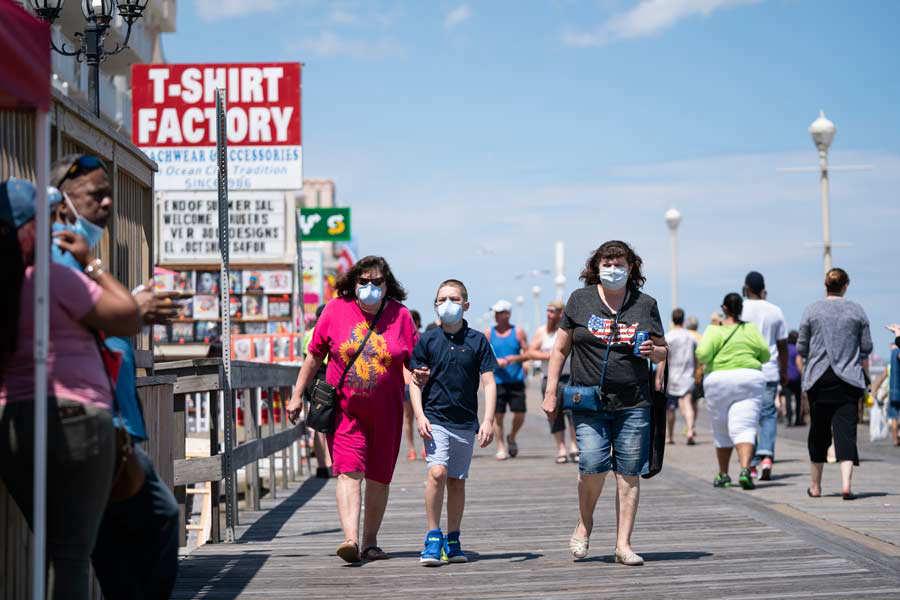 US-HEALTH-VIRUS-MARYLAND-BEACH