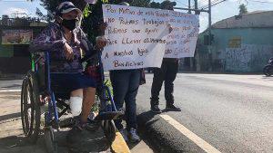 Irma es diabética y la necesidad la empuja a exponerse durante la cuarentena