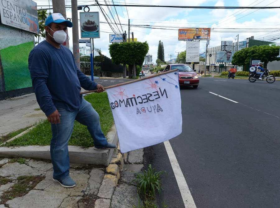 Banderas blancas Escalon_03