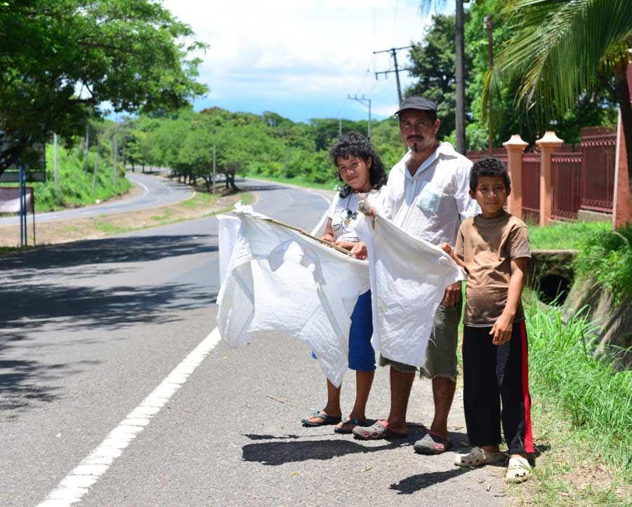 Banderas blancas_01