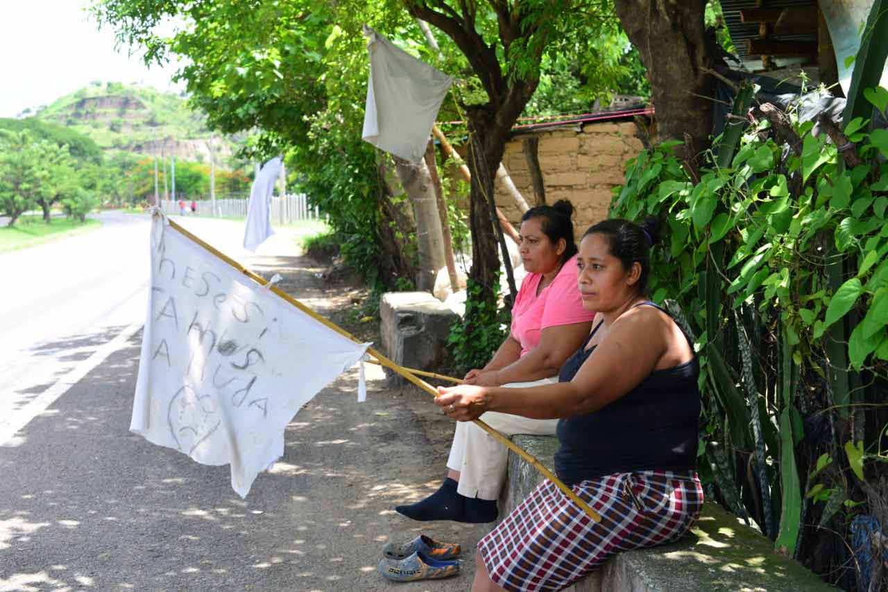 Banderas blancas_04