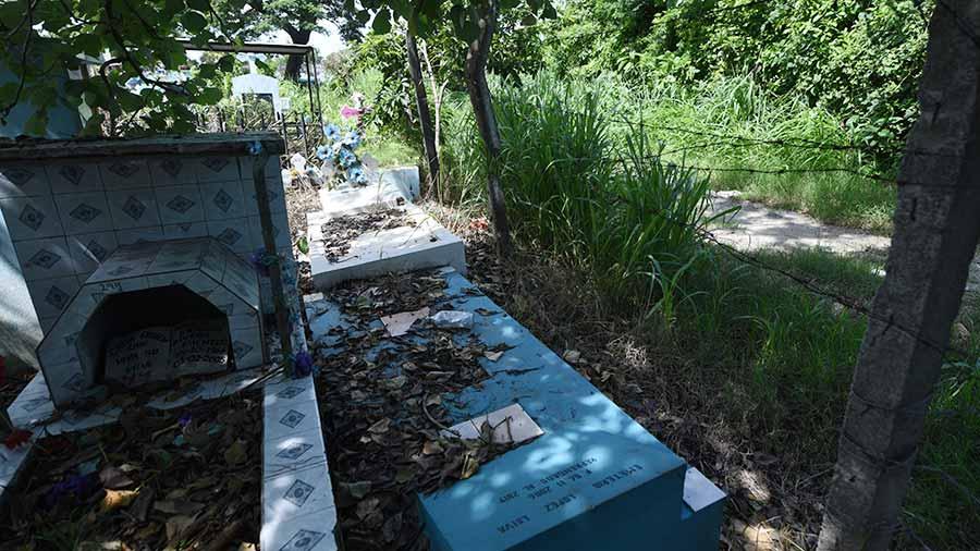 Cementerio-Ilopango07
