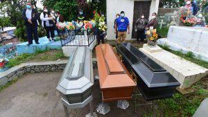 Entre lágrimas y oraciones dan el último adiós a la familia Melara Salamanca