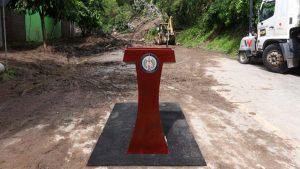 Bukele no se presenta a conferencia montada donde siete personas fueron soterradas