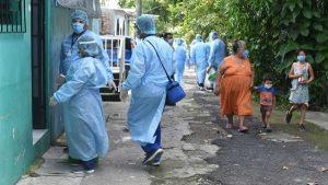 Contingente de enfermería sale en busca de casos COVID-19 en Soyapango