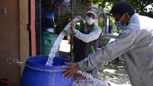 Pobladores de Soyapango aseguran que gastan hasta $20 a la semana por falta de agua