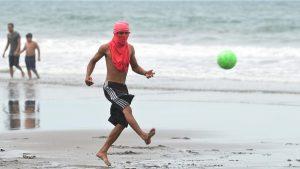Así se vive el último día de la vacación agostina en las playas de La Libertad