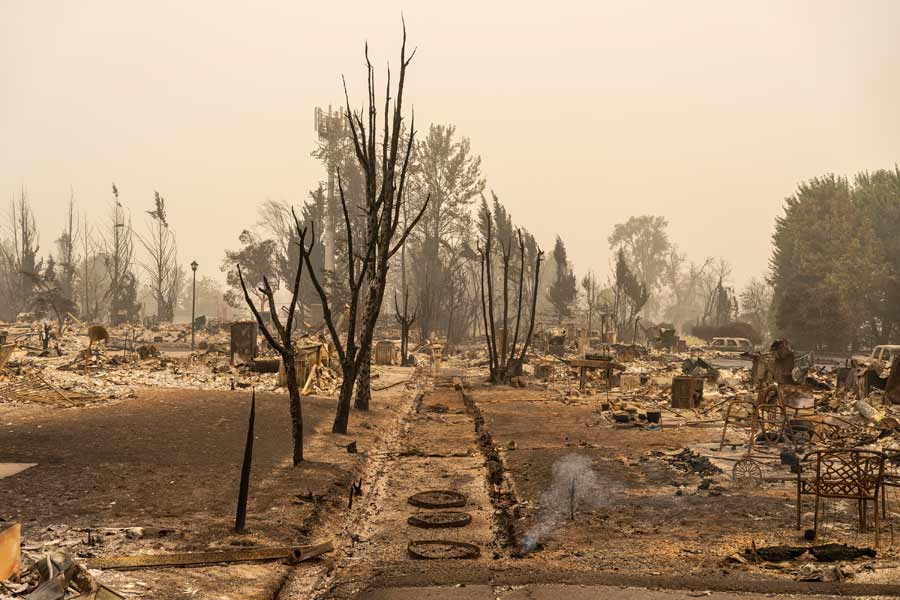 Wildfires In Oregon Force Mass Evacuations And Threaten Hundreds Of Structures