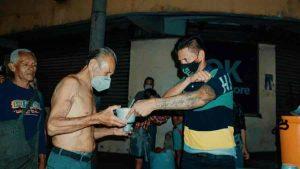 El acto altruista The King Flyp con los más desprotegidos del centro de San Salvador