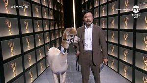 FOTOS: Una alpaca, Jennifer Aniston y COVID-19, los memes más divertidos de los Emmys 2020