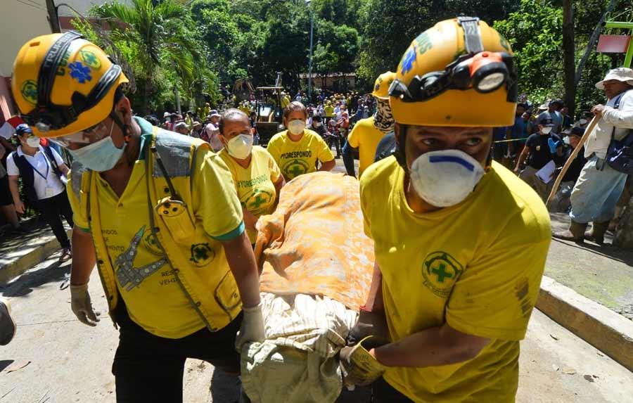 Nejapa deslave rescate soterrados_04