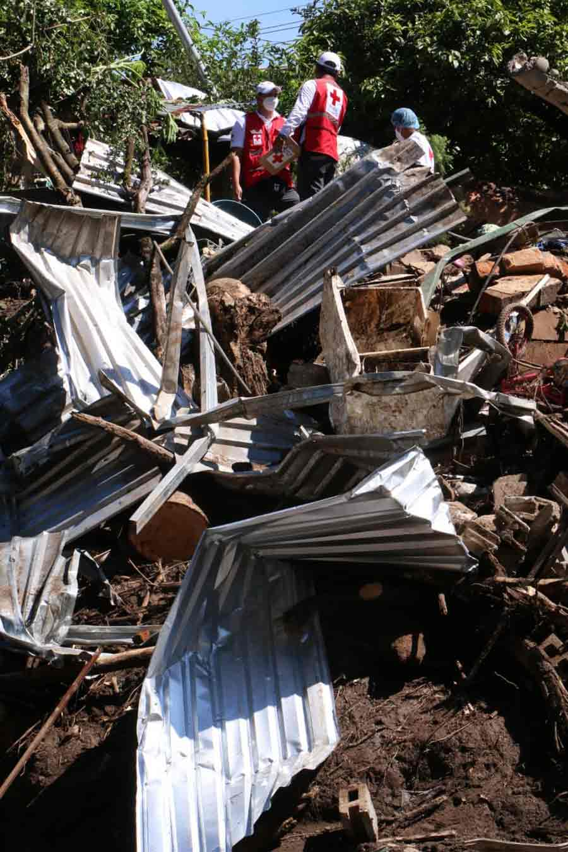 Nejapa deslave rescate soterrados_05
