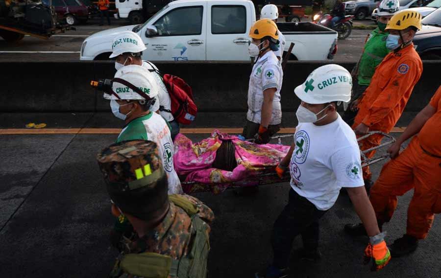 Nejapa deslave rescate soterrados_07