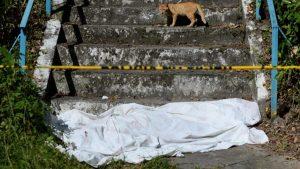 FOTOS: Misionera de las Hermanas del Ángel de la Guarda muere al caer de gradas en condominio de Zacamil
