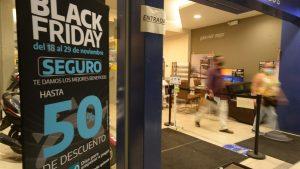 Comercios salvadoreños se preparan con ofertas para sus clientes en el Black Friday