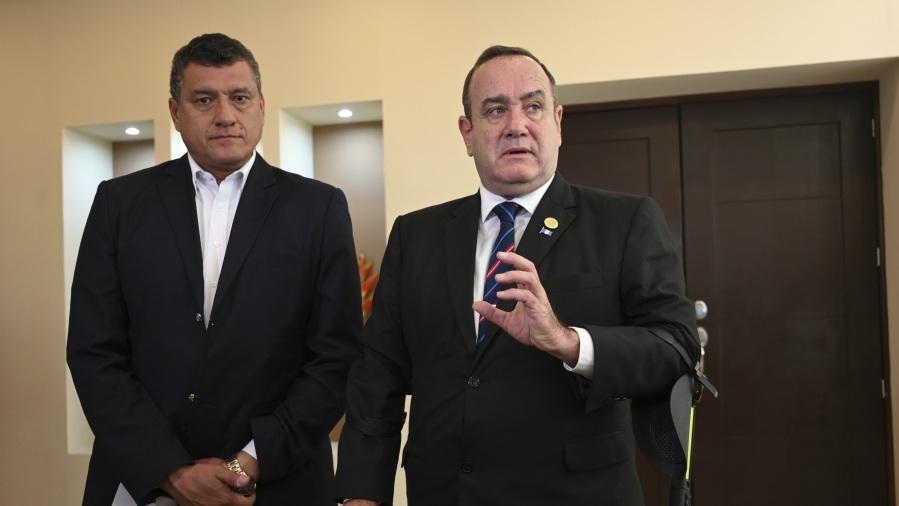 Alejandro Giammattei y Guillermo Castillo presidente y vicepresidente de Guatemala