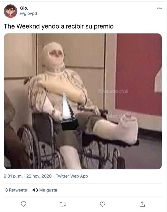Memes-el-polemico-atuendo-de-The-Weeknd-en-los-American-Music-Awards-029