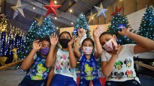 Así se respira el ambiente navideño en la Plaza Mundo de Apopa
