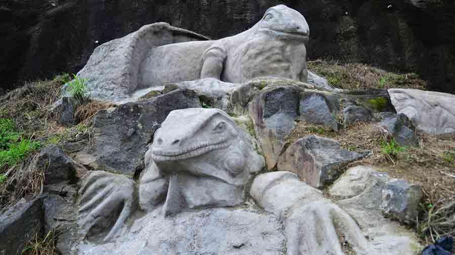aFR-esculturas-de-animales061