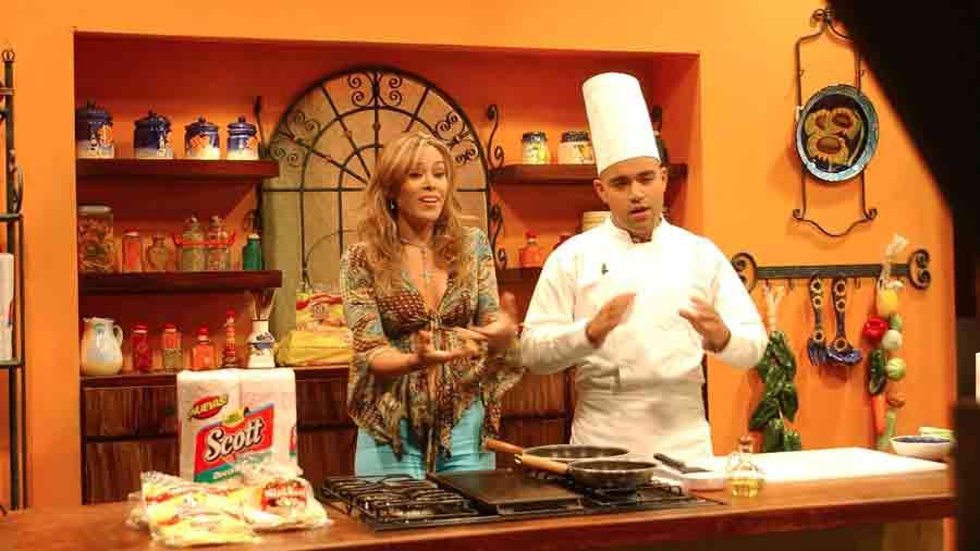luciana-sandova-carrera-en-television-2003