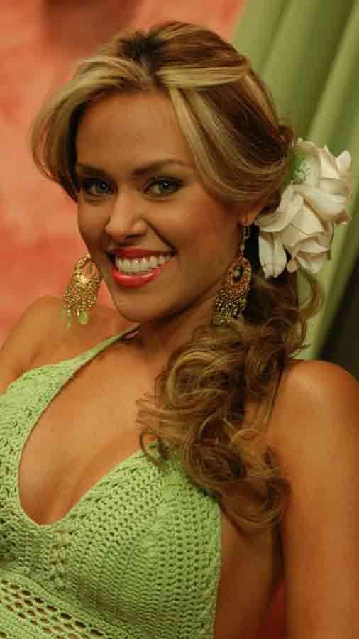 luciana-sandova-carrera-en-television5-2004