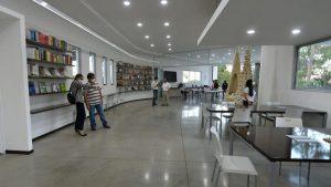 Conoce la primera biblioteca digital del país que fue inaugurada en San Salvador