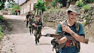 De la guerra a la paz: las imágenes del difícil camino para lograr el cese del conflicto en El Salvador