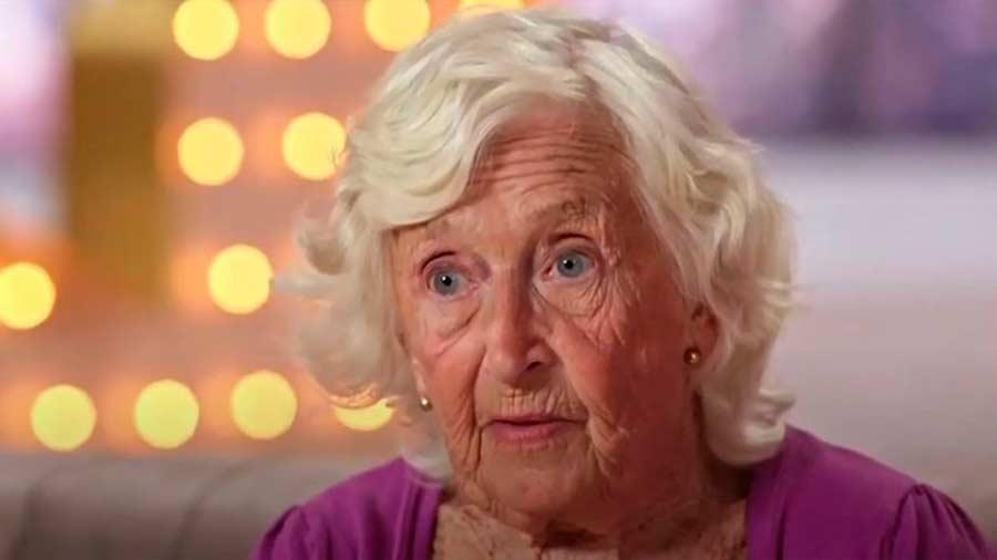 Sarah-Paddy-Jones-abuela-bailarina