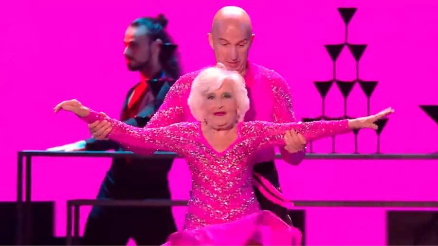 Sarah-Paddy-Jones-abuela-bailarina3