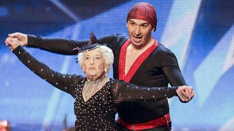 Sarah-Paddy-Jones-abuela-bailarina7