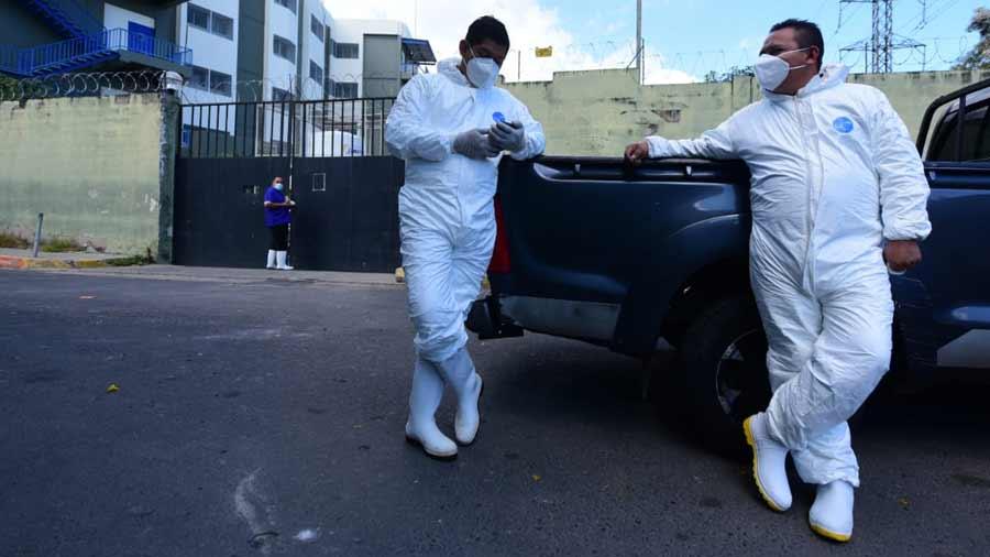 funerarios trabajando en pandemia_05