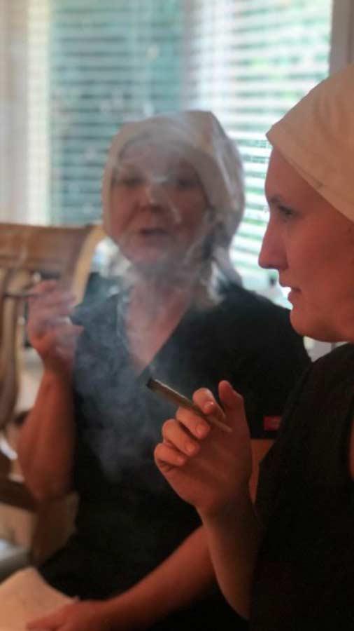 monjas-con-negocio-de-marihuana8