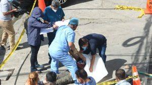 Adulto mayor muere en Santa Tecla mientras esperaba transporte para ir a consulta médica