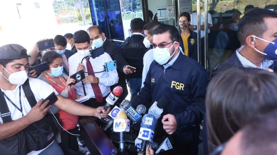 El Salvador: Atentado contra caravana del FMLN culmina con dos muertos
