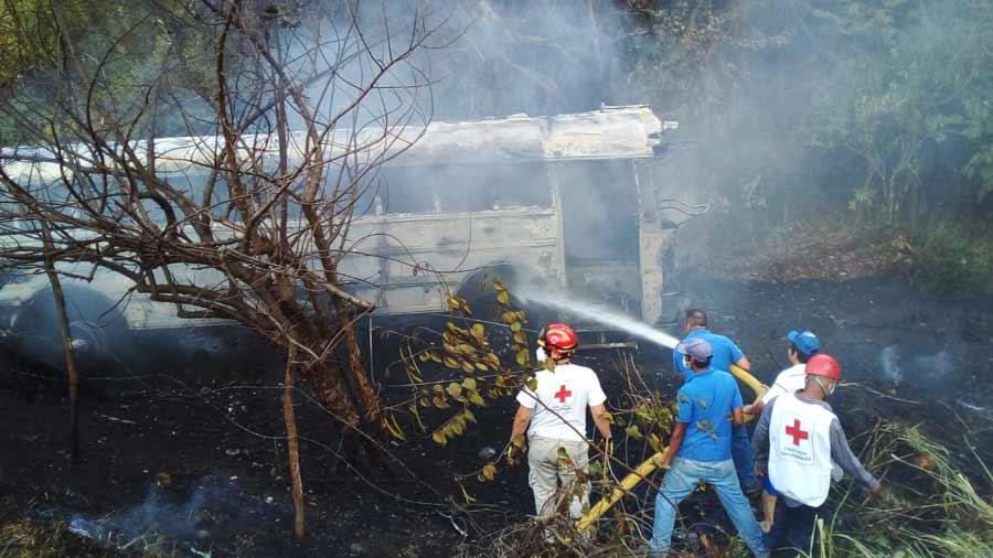 bus incendiado Troncal del Norte_03