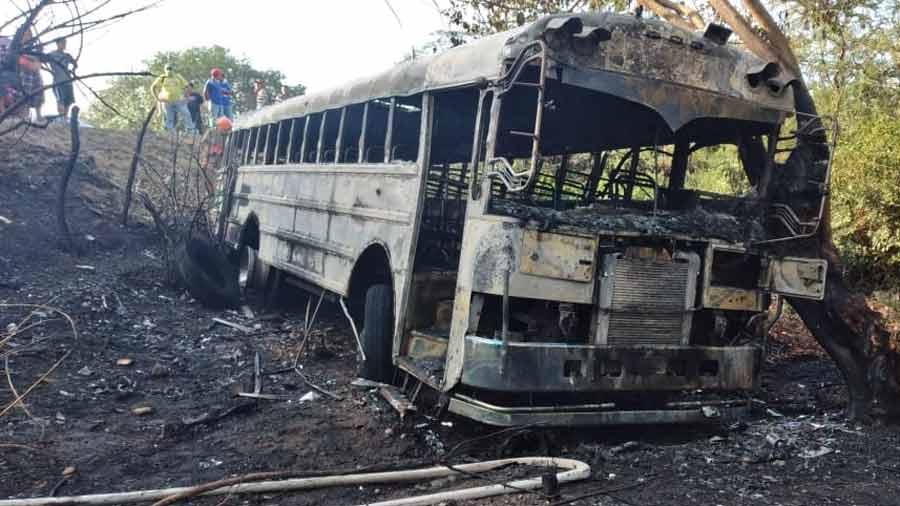 bus incendiado Troncal del Norte_08