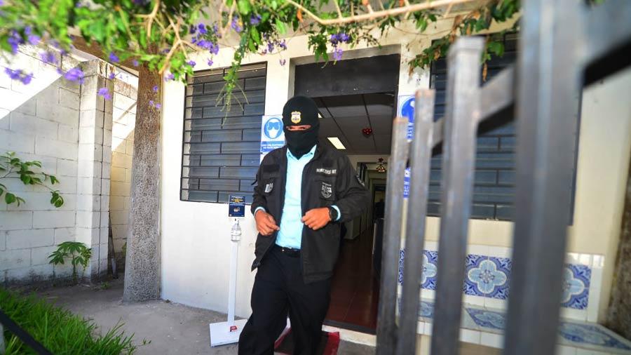 Policías-llega-a-tribunales-por-asesinar-a-una-de-sus-compañeras-de-la-PNC01