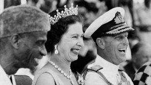 En imágenes, la historia de amor de Isabel II y el príncipe Felipe de Edimburgo