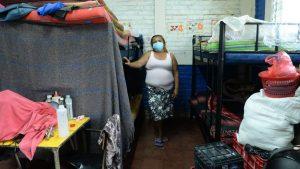 """""""Ya nos pidieron irnos, pero no tenemos una solución, seguimos aquí"""", familias damnificadas de la tormenta Amanda"""